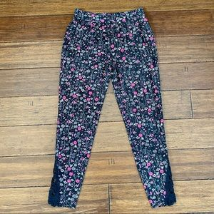 Maurices Size S Supersoft Floral Leggings
